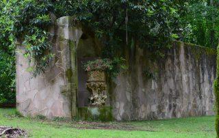 Gothic Wall with fuschia in Italian Urn